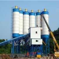 革新建机供应大型混凝土搅拌设备