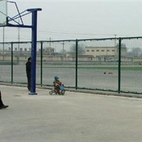 供应运城球场围栏飞创金属丝网专业生产安装