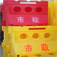 市政公司专用滚塑水马厂家 围栏水马价格