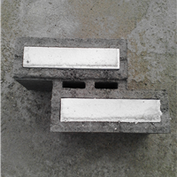 大量供应新型自保温混凝土砌块