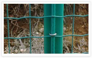 武汉养殖场专用铁丝围栏网-5*5荷兰网专卖会