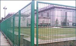 边境铁丝防护网厂家、厂矿区铁丝防护网规格