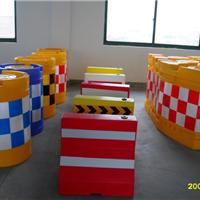 供应塑料防撞墩、角形防撞墩、三联组防撞墩