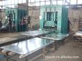 供应专业制造防盗门、钢木门压花机力得制造