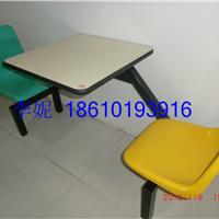 河北省胜芳镇二连体餐桌椅,分体餐桌椅