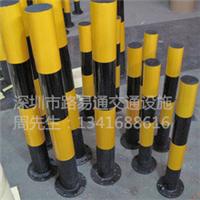 十字路口常用的防撞柱-黄色反光铁桩
