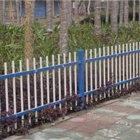 供应山东锌钢草坪护栏