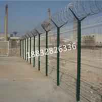 供应镀锌铁丝网围栏围墙网浸塑铁丝网围栏