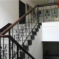 安装铁艺楼梯 楼梯扶手 锌钢楼梯