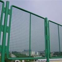 供应框架式篮球场勾花包塑围隔离网