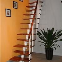 安装钢木楼梯之前如何测量屋内尺寸