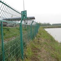 供应公路护栏网、铁路护栏网、框架护栏网