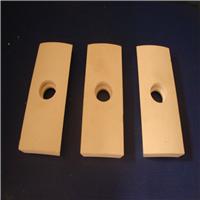 供应95%氧化铝带孔可焊接衬板耐磨陶瓷