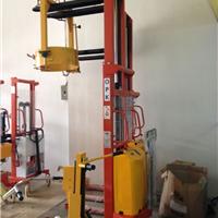 供应1.5吨升高2.5米半自动托盘堆高叉车