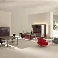 由国际设计大师设计的震旦老板桌