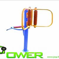 户外健身器材腰背按摩器的使用方法