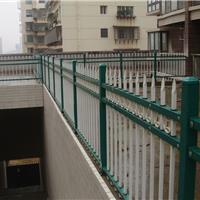 供应热销护栏、围栏、锌钢护栏、围栏