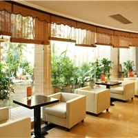 餐饮家具订做生产厂家、餐桌餐椅酒店卡座沙发生产维修翻新厂家