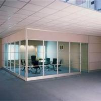 供应北京专业安装玻璃门《安装玻璃隔断》