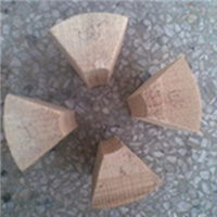 供应管道木质管托 保冷垫木特点
