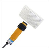 供应 E3F-R2NK,带反光板反射光电开关