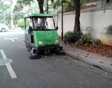 供应宜兴驾驶式扫地机,驾驶式扫地哪里买