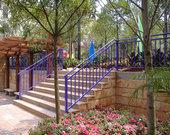 菏泽组装式楼梯走道扶手厂家直销安装锌钢喷塑楼梯扶手20年不锈