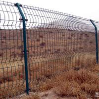 供应公路护栏网 折弯护栏网 果园围栏网  苗木场围栏网