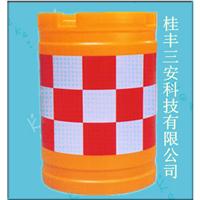 道路玻璃钢防撞桶多少钱/厂家直销防撞桶