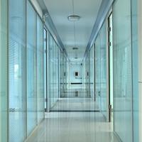 供应烟台玻璃隔断优质高隔间厂家