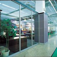 供应烟台高隔断专家 彩色玻璃隔断办公室装修中的重要事项
