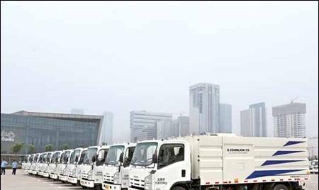 中联重科环卫洗扫车助力南京市环境攻坚战