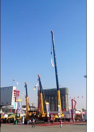 徐工起重机械多款核心产品亮相亚欧博览会