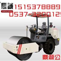 中国品牌3.5吨座驾式轮胎压路机