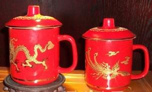 供应中国红瓷龙凤对杯,喜庆礼品杯
